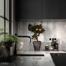 Crna kuhinja voda pipa